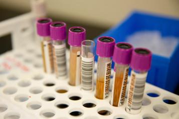 États-Unis Arrêt d'essais sur un traitement au plasma de patients guéris de la COVID-19)
