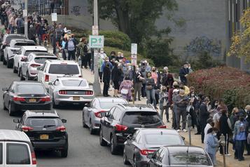 Présidentielle américaine Majoritairement démocrates, les New-Yorkais se pressent pour voter)