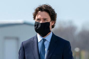 Justin Trudeau participe à une manifestation contre le racisme)