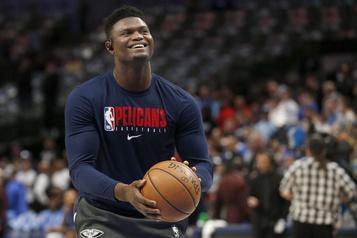 Les joueurs de la NBA s'adaptent à la vie cloîtrée chez Disney )