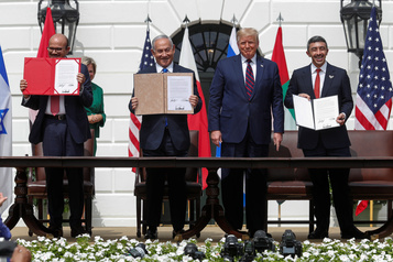 Israël signe des accords historiques avec les Émirats et Bahreïn)