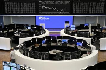 Les marchés mondiaux confortent leurs gains)