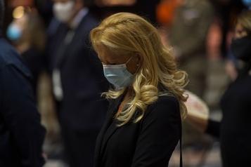 Le bilan de la pandémie dans le monde: près de 387000 morts)