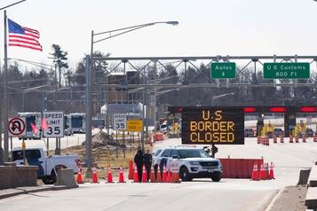 Le gel des visas de travail aux É.-U. ne s'applique pas aux Canadiens)