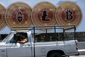 Le bitcoin trébuche, entre aversion au risque et régulateur attentif)