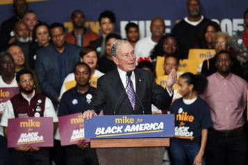 Primaire démocrate: Michael Bloomberg attaqué par ses adversaires