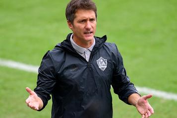 Le Galaxy de Los Angeles se sépare de l'entraîneur Barros Schelotto)