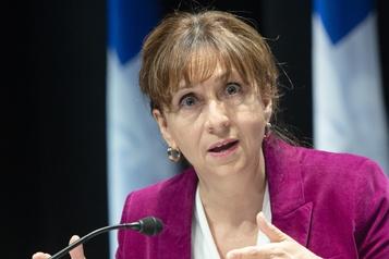 Québec offrira une aide de 50millions au milieu des arts)