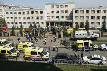 Une fusillade dans une école de Russie fait au moins sept morts)