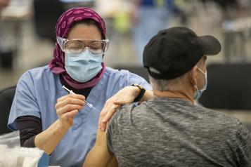 Deux millions de Québécois vaccinés)