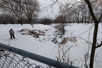 Montréal devra nettoyer un ruisseau devenu un «égout à ciel ouvert» )