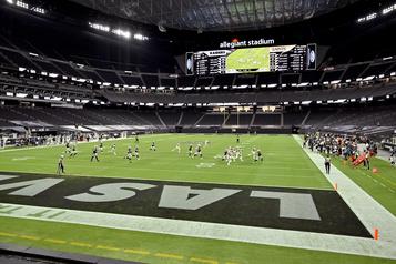 NFL Les Raiders feraient l'objet d'une enquête pour avoir donné accès à leur vestiaire)