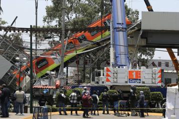 Mexico Après l'accident de métro, des passagers la peur au ventre)