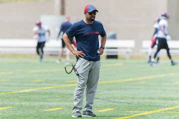 Khari Jones: le bon entraîneur, aubon moment