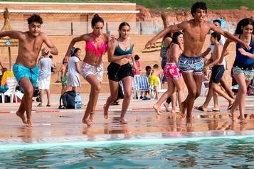 À la nouvelle piscine de Rabat, la difficile quête de détente des Marocaines