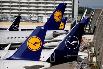 La compagnie aérienne Lufthansa entend lever 2,1milliards d'euros)