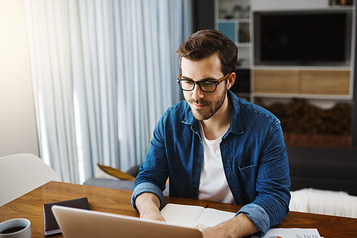 Infopresse Formations en ligne Infopresse : les meilleurs experts aident les professionnels du Québec)