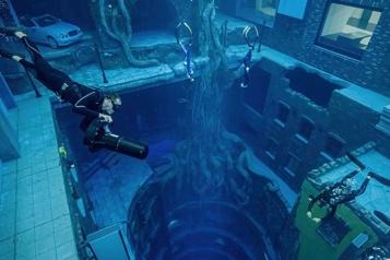 Dubaï inaugure la piscine la plus profonde du monde )