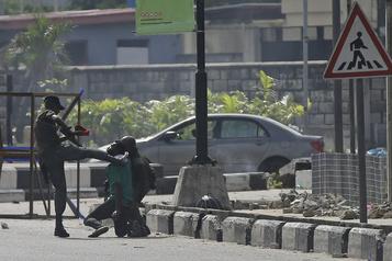 Nigeria Les É.-U. condamnent «le recours excessif à la force» des militaires)