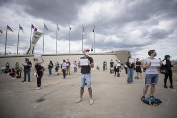 Manif contre la nouvelle mouture du Programme de l'expérience québécoise)