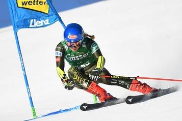 Mikaela Shiffrin domine le slalom géant à la Coupe du monde de ski