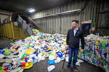 Remplacer le béton par du plastique recyclé?