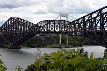 L'appel d'offres pour remplacer le tablier du pont de Québec est lancé)