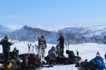 Plein air: de jeunes Inuits fontéquipe aveclaFondation Surlapointe des pieds