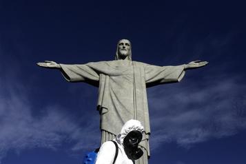 COVID-19 au Brésil Le seuil des 150000morts est dépassé)