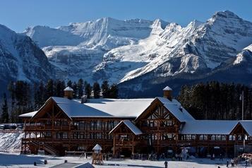 Le ski débute plus tôt dans l'Ouest canadien)