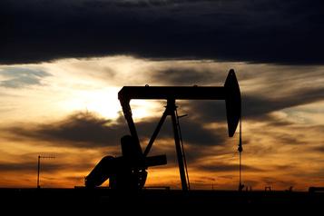 Le pétrole finit la semaine dans le rouge)