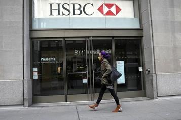 HSBC annonce une baisse des bénéfices moins importante que prévu)