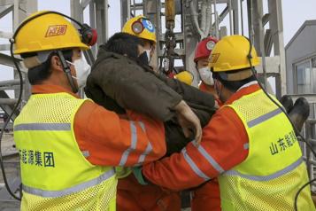 Chine Le récent drame dans une mine causé par l'usage illégal d'explosifs)
