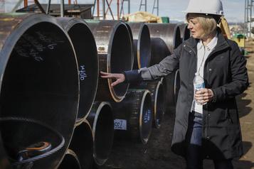 Alberta: les exigences environnementales réduites font fuir les investisseurs, dit Notley)