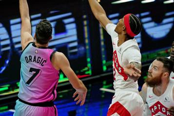 Les Raptors soumettent Patrick McCaw au ballottage)