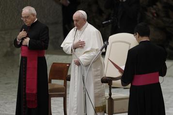 Le pape s'attaque à l'homophobie)
