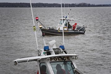 Lac des Deux Montagnes Les recherches reprennent pour retrouver les pêcheurs disparus)