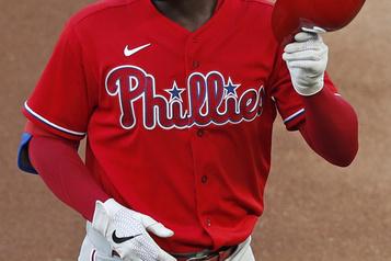 COVID-19: de nouveaux matchs de la MLB reportés)