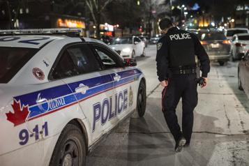 La GRC arrête deux agents du Service de police d'Ottawa)