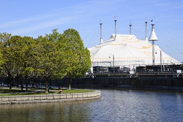 Québec octroie un prêt au Cirque du Soleil et pourrait l'acheter )