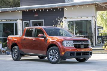 Ford lance le Maverick, une camionnette hybride très abordable)