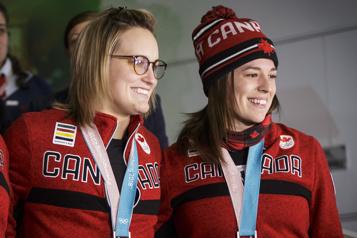 Hockey féminin Trois Québécoises sur l'équipe nationale)