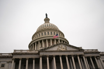 Discours sur l'État de l'Union Nouvelles menaces sur le Capitole, en lien avec un discours de Biden )