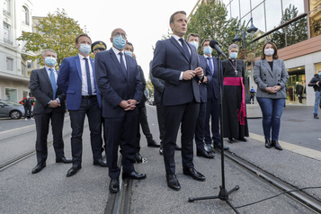 Macron comprend que les caricatures de Mahomet puissent «choquer»)