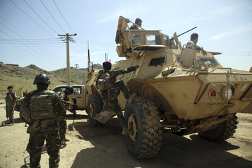 Neuf morts dans l'explosion d'une bombe en Afghanistan)