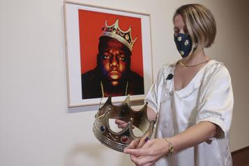 La couronne à 6$ de Notorious B. I. G. vendue 595000$)