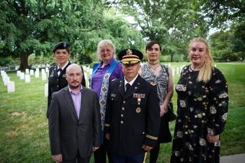 Les transgenres à nouveau autorisés à servir dans l'armée américaine)