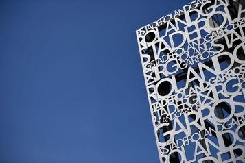 COVID-19 : l'assistance permise à Roland-Garros encore réduite)