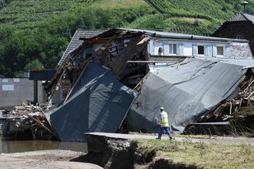 Inondations L'Allemagne alloue de premières aides d'urgence aux sinistrés)