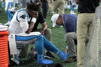 Les Panthers perdent Cam Newton face aux Patriots